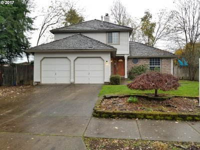 Springfield Single Family Home For Sale: 4467 Holly St
