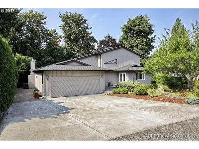 Multnomah County Single Family Home For Sale: 2290 SW 26th St