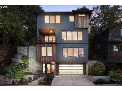 Portland Single Family Home For Sale: 3434 NW Savier St