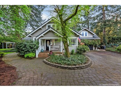 Single Family Home For Sale: 4933 Lakeview Blvd