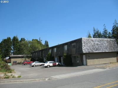 Coos Bay Multi Family Home For Sale: 145 Laclair