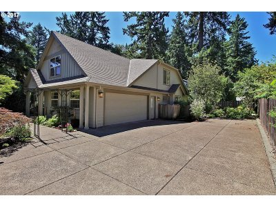 Lake Oswego Single Family Home For Sale: 5110 Rosewood St