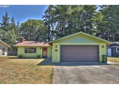 North Bend Single Family Home For Sale: 3755 Fir