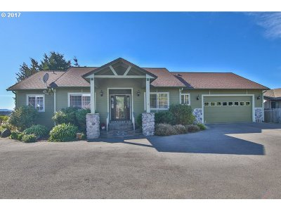 Coos Bay Single Family Home For Sale: 761 Denise Pl