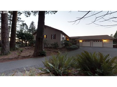 Brookings Single Family Home For Sale: 555 Chetco Ln