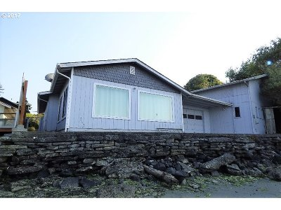 Coos Bay Single Family Home Bumpable Buyer: 91003 Pigeon Point Loop