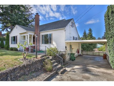 Coos Bay Single Family Home For Sale: 1460 Thompson Rd