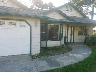 Brookings OR Single Family Home For Sale: $325,000