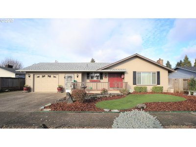 Springfield Single Family Home For Sale: 2388 9th St