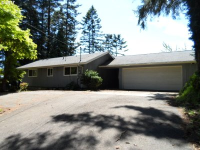North Bend Single Family Home For Sale: 67284 Shorewood Dr