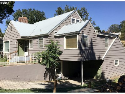 Pendleton Single Family Home For Sale: 630 NW 8th St