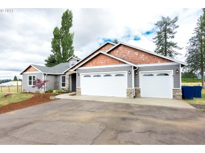 Estacada Single Family Home Bumpable Buyer: 35387 SE Tracy Rd