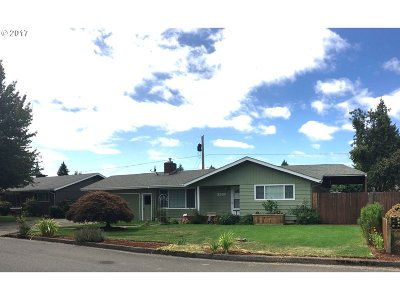 Springfield Single Family Home For Sale: 2560 35th St