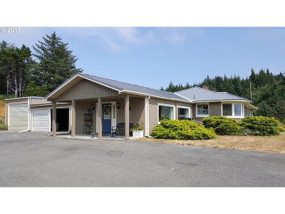 Port Orford Single Family Home For Sale: 680 Deady St