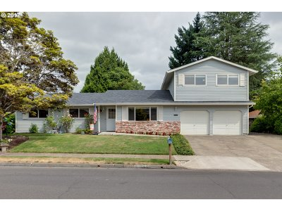 Tigard Single Family Home For Sale: 12485 SW Katherine St