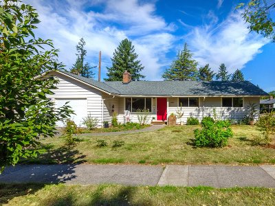 Portland Single Family Home For Sale: 13035 SW Edgewood St