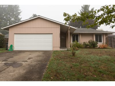 Beaverton Single Family Home For Sale: 12935 SW Barberry Dr