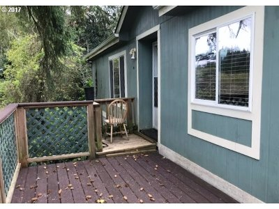 Coos Bay Single Family Home For Sale: 63281 Shinglehouse Rd