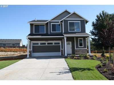 Scappoose Single Family Home For Sale: 51950 SE 9th St