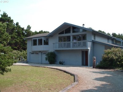 Bandon Single Family Home For Sale: 3165 Beach Loop Dr SW