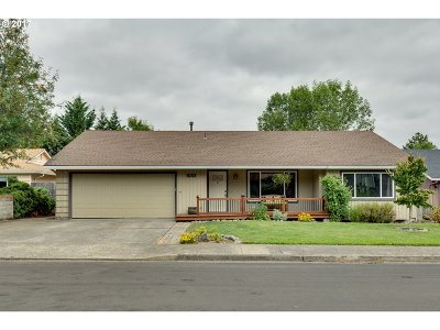 Aloha Single Family Home For Sale: 17115 SW Canby Ct