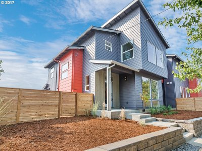 Single Family Home For Sale: 8512 N St Johns Ave