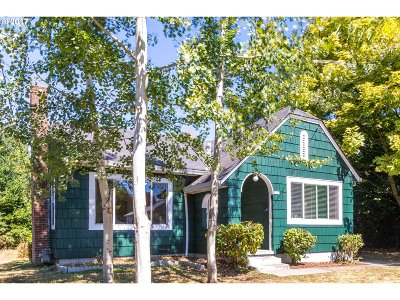 Portland Single Family Home For Sale: 8215 N Olympia St