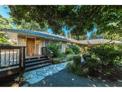 West Linn Single Family Home For Sale: 4890 Summit St