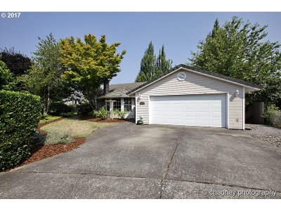 Gresham Single Family Home For Sale: 3725 SW 16th Ct