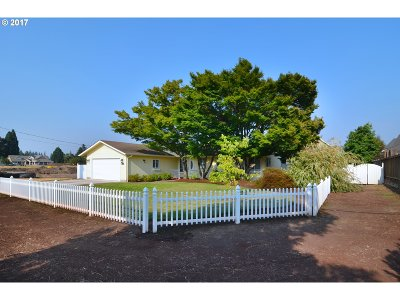 Eugene Single Family Home For Sale: 3387 Gilham Rd