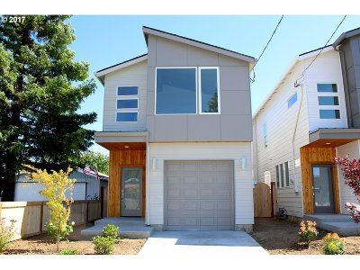 Single Family Home For Sale: 9294 SE Clay St