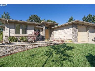 Lake Oswego Single Family Home For Sale: 937 Cedar St