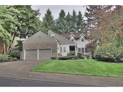 Lake Oswego Single Family Home For Sale: 3845 Tempest Dr