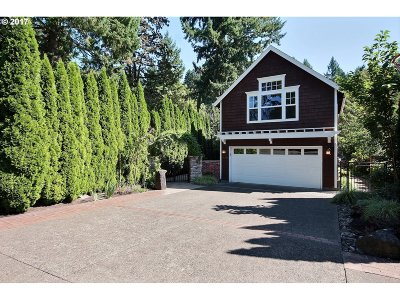 Lake Oswego Single Family Home For Sale: 17104 Cedar Rd