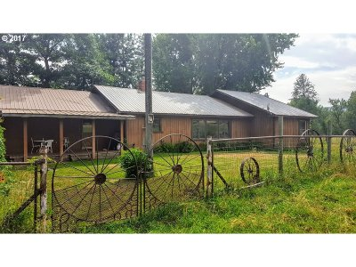 Baker County Single Family Home For Sale: 48057 Clear Creek Rd