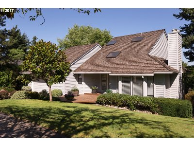 Lake Oswego Single Family Home For Sale: 16943 Cherry Crest Dr