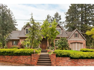Lake Oswego Single Family Home For Sale: 635 Iron Mountain Blvd