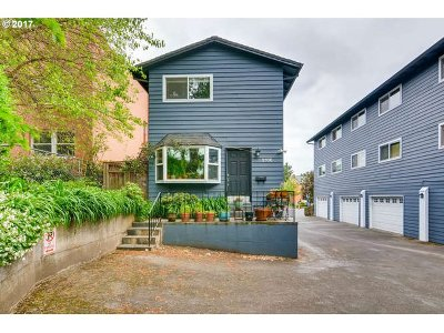 Multnomah County Condo/Townhouse For Sale: 2136 SE Hawthorne Blvd #10