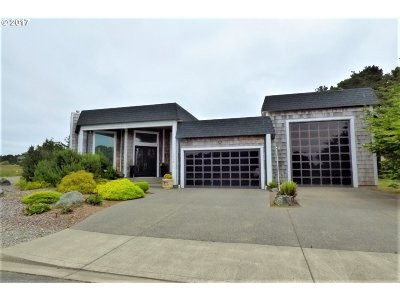 Bandon Single Family Home For Sale: 3206 Lincoln Ave
