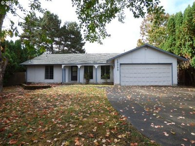 Beaverton Single Family Home For Sale: 18980 SW Hennig Ct