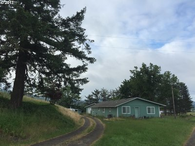 Sutherlin Single Family Home For Sale: 2641 North Side Rd