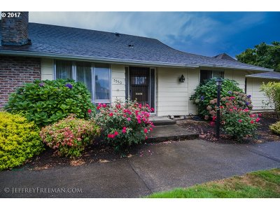 Beaverton OR Single Family Home For Sale: $235,000