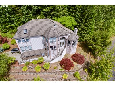 Happy Valley Single Family Home For Sale: 9750 SE Westview Ct