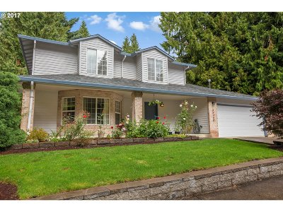Sandy Single Family Home For Sale: 39495 Kimberly Dr