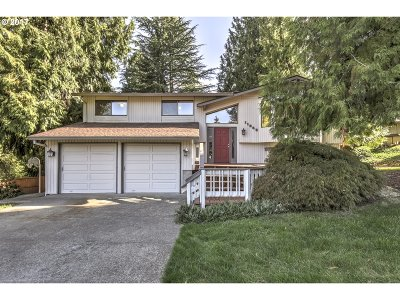 Tigard Single Family Home For Sale: 11255 SW Willow Wood Ct