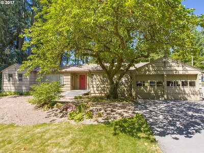 Lake Oswego Single Family Home For Sale: 504 10th St