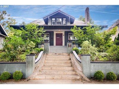 Single Family Home For Sale: 4011 E Burnside St