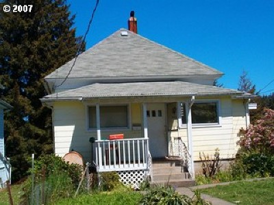 Coquille OR Single Family Home For Sale: $120,000
