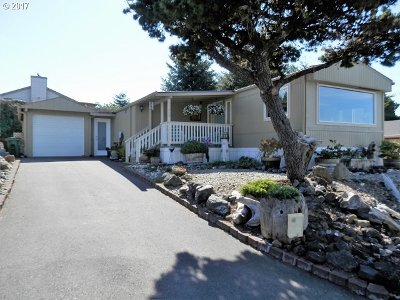 Coos Bay Single Family Home For Sale: 1209 Embarcadero Cl