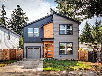 Single Family Home For Sale: 12716 SE Stephens St